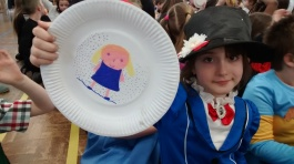 'Mary Poppins' and her plate portrait